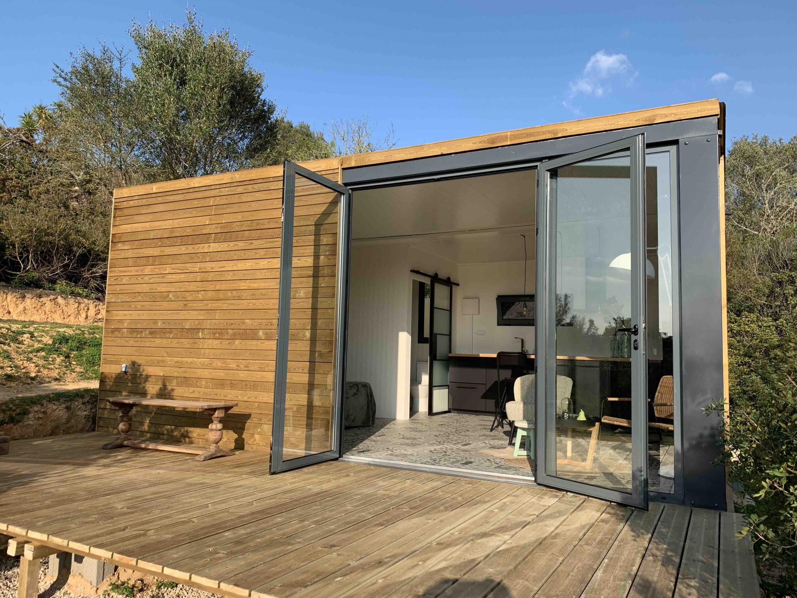 Garden studio 2 deck