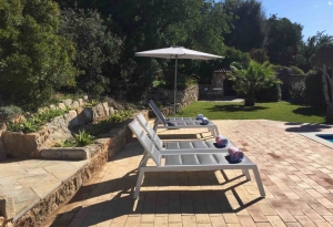 Montinho pool Sun beds