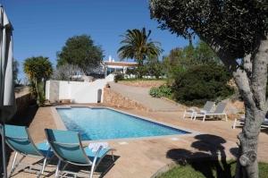 Montinho pool Eastside