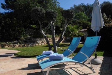 Montinho pool Sun-beds